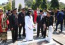 Peringati HUT RI ke 74, Bupati Tanggamus Ziarah Makam Pahlawan