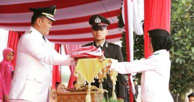 Wakil Bupati Pringsewu Jadi Inspektur Upacara Penurunan Bendera Hut RI