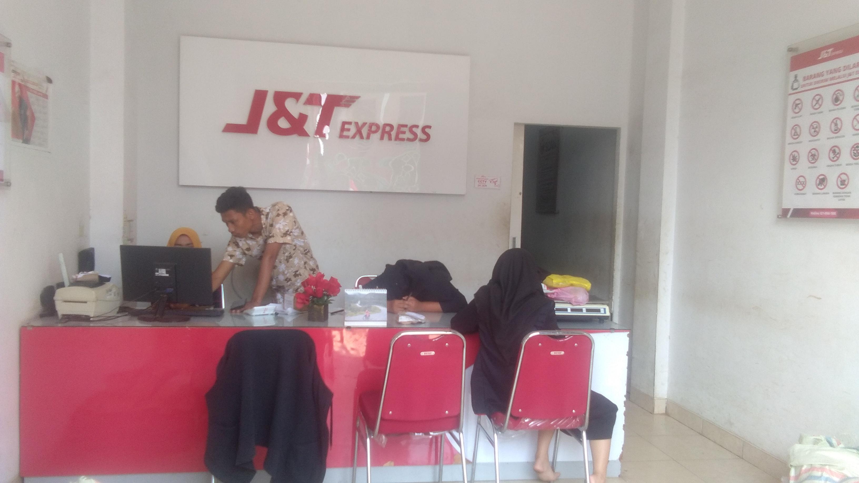 Kantor Media Online Bumi1 Com Keluhkan Lambatnya Jasa Pengiriman J T Express Bumi1